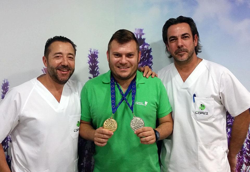 Simón junto a Rafael y David en Ortopedia López