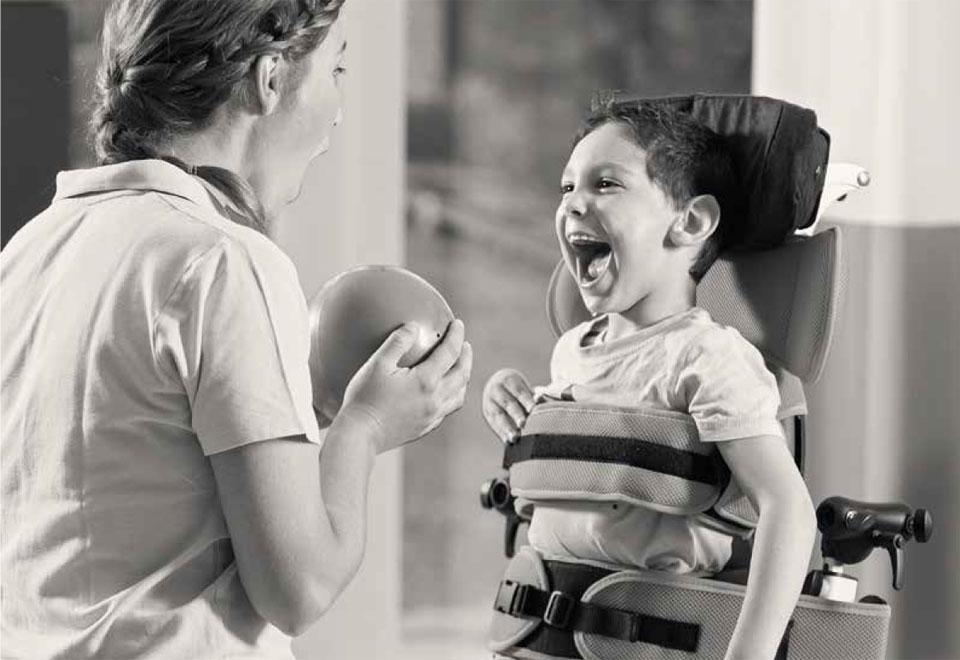 24 horas para desarrollar sus capacidades - Terapia y bipedestación