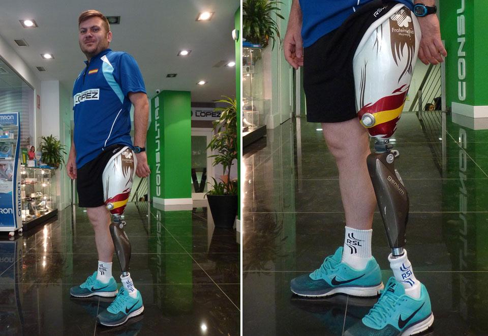 Simón Cruz en Ortopedia Técnica López con el sistema de prótesis de pierna Genium