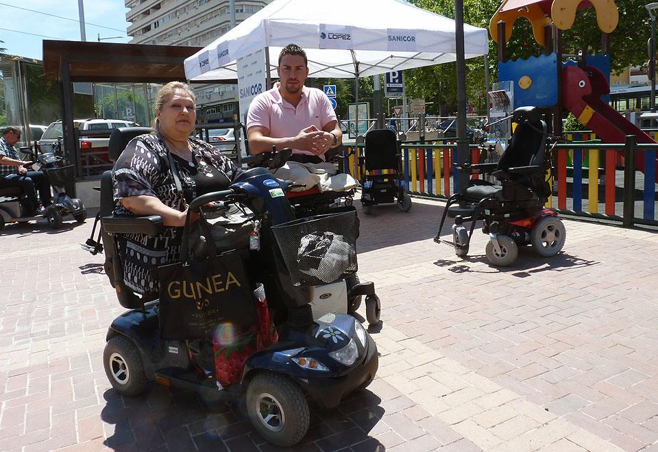 Sillas de ruedas eléctricas y scooters en los Sanicor Power Days